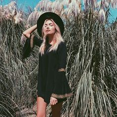 🌻wildflower - in the Coventry Dress 🌻 Hippie Style, Bohemian Style, Boho Chic, Boho Fashion Summer, Revolve Clothing, Boho Gypsy, Chic Outfits, Dressy Outfits, Passion For Fashion