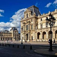 Spend a day or two  appreciating the works of art at the Musee du Louvre #microation