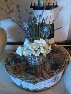 Bloemstuk met lavendel en hortensia`s