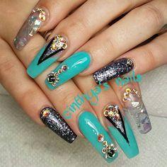 "57 Likes, 1 Comments - cinthya  (@_tinti_) on Instagram: ""#nudenails#barbienails#longnails#silvernails#naildesign#cutenails#nailart#nailporn#instanails#prettynails#squarenails#fakenails#acylic#acrylicnails#junknails#idinails#nails#nailz#cinthyasnails#lovenails#swarovski#blacknails"""