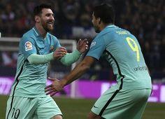 Barcelona vence al Atlético de Madrid con golazos de Suárez y Messi