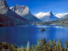 go to Glacier National Park, Montana Montana Usa, Glacier National Park Montana, Park Service, Go Camping, Dream Vacations, Places To See, Beautiful Places, Amazing Places, Cool Pictures