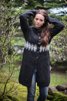 Handknitted design cardigan from 100 icelandic wool by LOPIA