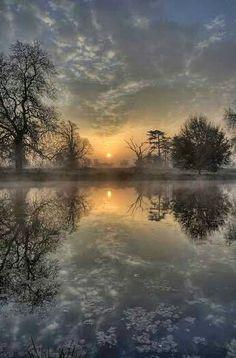 sunset at the cold lake - Fotografie - Top Bilder - Nature Beautiful Sunset, Beautiful World, Beautiful Images, Beautiful Photos Of Nature, Nature Pictures, Best Nature Photos, Pics Of Nature, Hdr Pictures, Nature Tree