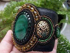 (24) Одноклассники Embroidery Bracelets, Bead Embroidery Jewelry, Beaded Embroidery, Beaded Bracelets, Beading Ideas, Fashion Designers, Beadwork, Seed Beads, Gemstone Rings