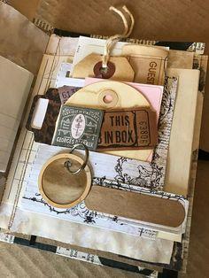 Handmade Notebook, Handmade Journals, Handmade Books, Bullet Journal Ideas Pages, Art Journal Pages, Art Journaling, Altered Tins, Altered Books, Pocket Envelopes