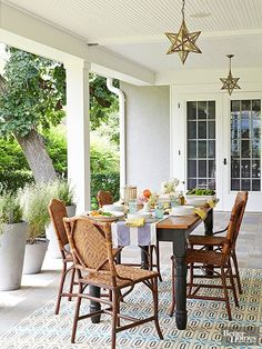 We would curl up with a book, gather with friends, or just watch the sun set on every single one of these porches. Find out and then go create your own pretty porch. Outdoor Rooms, Outdoor Dining, Outdoor Furniture Sets, Outdoor Decor, Wicker Furniture, Wicker Chairs, Dining Area, Dining Room, Oak Chairs