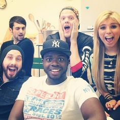PTX omg look at Mitch!!!!!