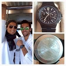 "If there was a "" FIFA WORLD TEAMMATE OF THE YEAR"" Christiano Ronaldo would win, he bought his team customized Bulgari watches with each team members name engraved on it each costing $10,000 #BOSSMOVES #BOSS #ChristianoRonaldo #RealMadrid #RealMVP #trending #FIFA #socialglims #dubai #mydubai2020 #LaDecima #soccer"