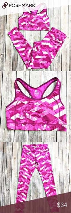 "Old Navy Workout Leggings with Sports Bra Bright and fun!  Hot pink in color!  Great pair of leggings in excellent condition with no piling and a matching sports bra.  Material is made of 85% polyester and 15% spandex.  Measurement laid flat: bra: bust 14"" and length 11"".  Leggings: waist 14"", hip 16"", and inseam 28.5"".  Both items size medium. Old Navy Pants Leggings"