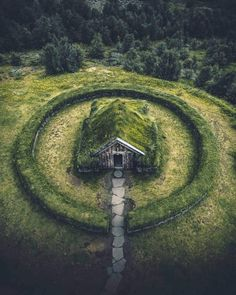 Post with 3958 votes and 139690 views. Tagged with awesome, iceland, cabin; Iceland, I admire you and your magical places! The Places Youll Go, Places To See, Beautiful World, Beautiful Places, Beautiful Scenery, Jardin Decor, Abandoned Places, Perfect Place, Places To Travel