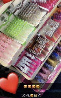 nice makeup look Glitter Lip Gloss, Clear Lip Gloss, Glitter Lips, Lip Art, Gloss Labial, Best Lip Gloss, Lip Fillers, Glossy Lips, Skin Makeup