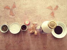 Receita: Chai Latte (Chá Indiano) Milk Shakes, Chai, Latte, Bebidas Detox, Confort Food, Tea Infuser, Coffee Drinks, Ayurveda, Indian Food Recipes