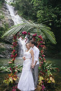 Fiji-Wedding-Bula-Bride-Waterfall-Finau-Photography