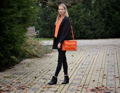 Style of Lucie Redlich: orange bag Benetton Orange Bag, Benetton, Winter, Bags, Style, Orange Purse, Winter Time, Handbags, Dime Bags