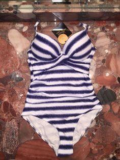 Nip Tuck Women/'s Rash Swimwear Top Navy//White BRAND NEW Bond-Eye Australia