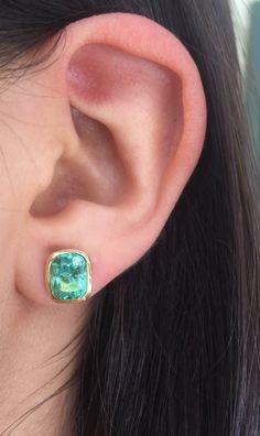 Exclusive Cushion Cut Columbian Emerald Stud Earrings 18k #emeraldsmaravellous #emeralds #studs  #colombianemeralds