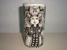 "BJØRN WIINBLAD ""Flora"" vase 1970s. #bjørnwiinblad #flora #danishdesign #danishceramics #ceramics #danskkeramik #keramik #vase #vas. From www.TRENDYenser.com. SOLGT."