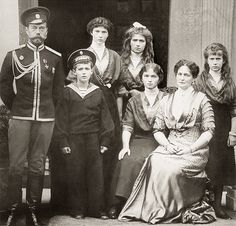 """historyofromanovs: """" The Imperial Family of Russia, circa 1913. I have never seen this photograph so clear. """""""