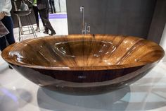 Shiny Laguna Wooden Bathtub