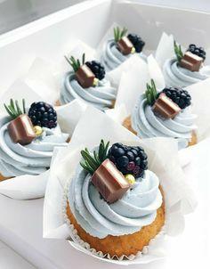 Login Pretty cupcakes – Cocktails and Pretty Drinks Cupcake Recipes, Baking Recipes, Dessert Recipes, Yummy Treats, Sweet Treats, Yummy Food, Mini Cakes, Cupcake Cakes, Pretty Cupcakes