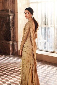 Deepika Padukone is seen here during a photoshoot for a leading jewellery brand. The pretty actress donned a desi avatar and even posed with gorgeous. Shraddha Kapoor, Deepika Ranveer, Deepika Padukone Style, Priyanka Chopra, Deepika Padukone Lehenga, Anushka Sharma, Sabyasachi, Ranbir Kapoor, Indian Celebrities