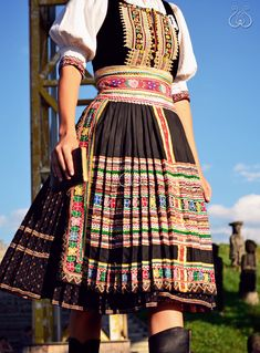 Traditional Dresses, Traditional Art, Costumes Around The World, Folk Clothing, Folk Costume, Ethnic Fashion, Beautiful Outfits, Clothes, Aesthetics