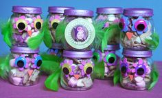 Owl party favors - baby food jars Could probably do this and fill it with something in clinic? Owl Themed Parties, Owl Parties, Owl Birthday Parties, Birthday Ideas, Owl Party Supplies, Owl Party Favors, Baby Jars, Baby Food Jars, Owl First Birthday