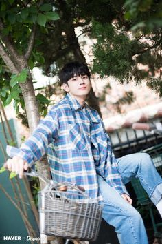 Ong Seongwu 'At Eighteen' Promotions Naver x Dispatch Photos Drama Korea, Korean Drama, Ong Seung Woo, Kim Jaehwan, Kdrama Actors, Lee Min, Ulzzang Girl, Handsome Boys, Jinyoung