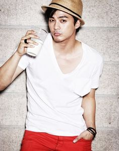 """staring Jan 7th, 2013, in """"flower boy next door"""", it is    It seems like Kim Ji Hoon has confirmed for the role and will be the guy that Shinhye will spy everyday"""