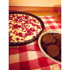 Raspberry-White Chocolate Pie & Appricot cookies for xmas