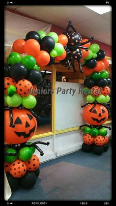 Holiday balloon decor - New Deko Sites Halloween First Birthday, Halloween Class Party, Halloween Balloons, Halloween Carnival, Cute Halloween, Halloween Crafts, Birthday Balloon Decorations, Diy Halloween Decorations, Deco Ballon