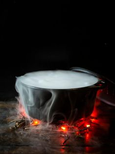 The Halloween experts at HGTV share tips for safely using dry ice for Halloween decorating and parties. Dry Ice Halloween, Halloween Magic, Halloween Drinks, Halloween Diy, Halloween Punch For Kids, Classy Halloween, Halloween Balloons, Halloween Office, Halloween Goodies