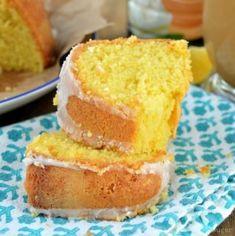 Sweet creme lemon cake is a moist lemon bundt cake recipe that uses Coffee-mate Italian Sweet Creme flavored creamer and 12 egg yolks. Tolle Desserts, Köstliche Desserts, Great Desserts, Chocolate Desserts, Delicious Desserts, Dessert Recipes, Lemon Desserts, Dessert Bread, Bar Recipes