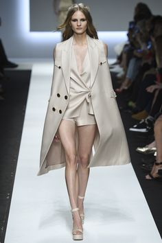 Ermanno Scervino Spring 2016 Ready-to-Wear Fashion Show