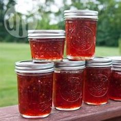 Jalapeno Jam Strawberry Jalapeno Jam--my bff Laura made some yesterday and I now want this every day for the rest of my life.Strawberry Jalapeno Jam--my bff Laura made some yesterday and I now want this every day for the rest of my life. Strawberry Jalapeno Jam Recipe, Jalapeno Jelly Recipes, Pepper Jelly Recipes, Strawberry Jam, Strawberry Recipes, Jam Recipes, Canning Recipes, Canning Tips, Gastronomia