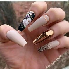 The trend of chrome nails can not be ignored. Many women choose the art design of chrome nails nowadays. The fashion trend of nail design is always changing. In order to keep fashion, you might as well try chrome nail art design. Best Acrylic Nails, Acrylic Nail Designs, Nail Art Designs, Chrome Nails Designs, Design Art, Dope Nails, Swag Nails, Gorgeous Nails, Pretty Nails