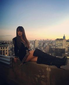 Lea Michele ✾ on top of Columbia Records in NYC Lea Michele, Rachel Berry Style, Lea And Cory, Beauty Planet, Naya Rivera, Glee Cast, Dianna Agron, Cory Monteith, Scream Queens