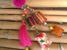 Pompones de tela bolso encanto Hmong de la borla de por midgetgems