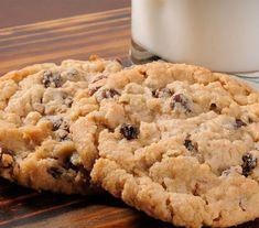 Recipe for making oatmeal raisin cannabis cookies for marijuana medicine Raisin Cookie Recipe, Cake Mix Cookie Recipes, Oatmeal Raisin Cookies, Cookie Desserts, Easy German Chocolate Cake, Chocolate Cake Mix Cookies, Biscuits Aux Raisins, Making Oatmeal, Recipes