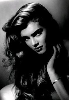 Brooke Shields, photographed by the ORIGINAL 1930's glamour shots man, George Hurrell. One of the last glamour shots he took, before his death in 1992.