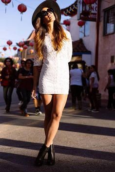 Jillian from Little Black Boots joins the cult in the Kade Cutout Bootie Lace Dress Black, White Dress, White Lace, Beautiful Girl Photo, Beautiful Clothes, Fashion For Petite Women, Street Style, Look Fashion, Fall Fashion