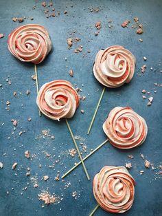 Meringues Lollipops