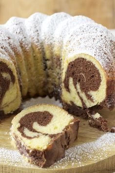 The most beloved cake in Germany, 'Marmorkuchen'. Marmor is marble. Not because the cake is hard has marble, but has a marbled pattern Baking Recipes, Cake Recipes, Snack Recipes, Fall Desserts, No Bake Desserts, Food Cakes, Cupcake Cakes, Cupcakes, German Baking