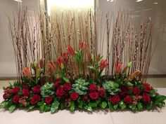 Church Altar Decorations, Church Christmas Decorations, Christmas Flowers, Altar Flowers, Church Flowers, Funeral Flower Arrangements, Floral Arrangements, Altar Design, Modern Floral Design