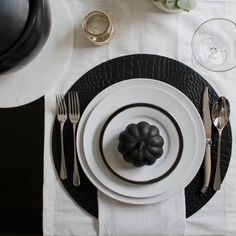 It's coming up on holiday season which means time to source out the perfect turkey recipe, practice up on your bartending skills and dig out the fall decor. It's also time to put the patio furnitur...