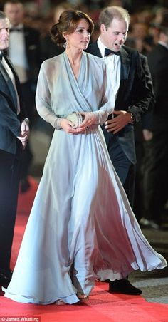 """The Duchess of Cambridge attended the premier of Spectre wearing a bespoke Jenny Packham gown. She accessorized with her Jimmy Choo """"Vamp"""" sandals, Jenny Packham """"Casa"""" clutch, and borrowed her mom's Robinson Pelham """"Pagoda"""" earrings. Moda Kate Middleton, Style Kate Middleton, Carole Middleton, Jenny Packham, Princess Kate, Duke And Duchess, Duchess Of Cambridge, Cambridge United, Daniel Craig Suit"""