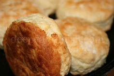 Deep South Dish: The Secrets to the Best Ever, Perfect Southern Buttermilk Biscuits (YUMMMMM) gotta try this! Southern Recipes, My Recipes, Cooking Recipes, Favorite Recipes, Southern Food, Bread Recipes, Cooking Tips, Recipies, Cooking Photos