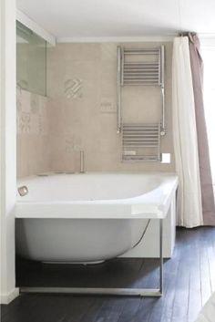 Eine Badewanne für alle Wasserratten und Badenixen - Wer würde hier nicht gerne mal abtauchen?  Photocredits: Home Hunts