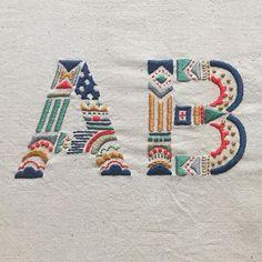 静岡にあるラーメン屋さんにオーダーいただきました 横長で画面に入りきらないけど、お気に入り #embroidery #handembroidery #刺繍 #typography #ordermade